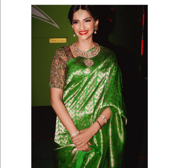 sonam-kapoor-in-green-saree